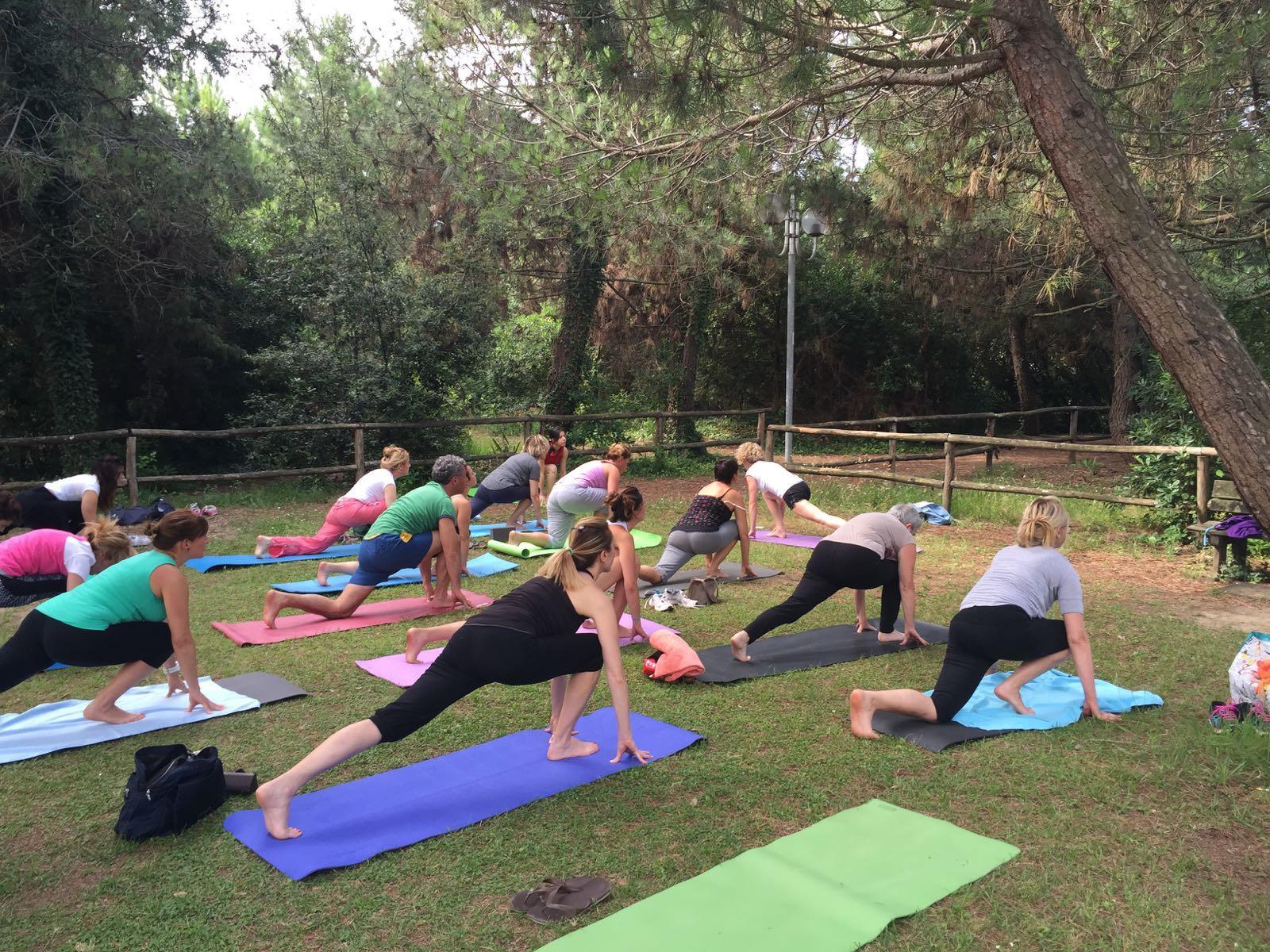 Yoga in estate - al Parco ed in Sala